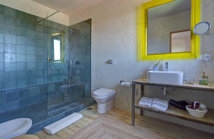 Fuente Techada baño cuarto 4